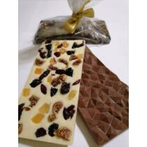 Kézműves Tej Csokoládé Aszalt Gyümölcsökkel, Kézzel Készült 100 g