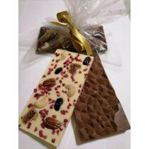 Kézműves Tej Csokoládé Liofizált Málnával és Különlegességekkel, Kézzel Készült, 100 g